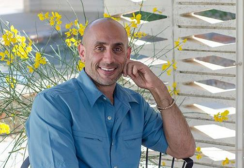 Mas Vidal visits the Miracle Makers in Studio